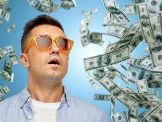 Клиент БК Фонбет выиграл пол миллиона с 50 рублей