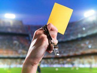 Английский футболист дисквалифицирован на шесть лет из-за желтых карточек